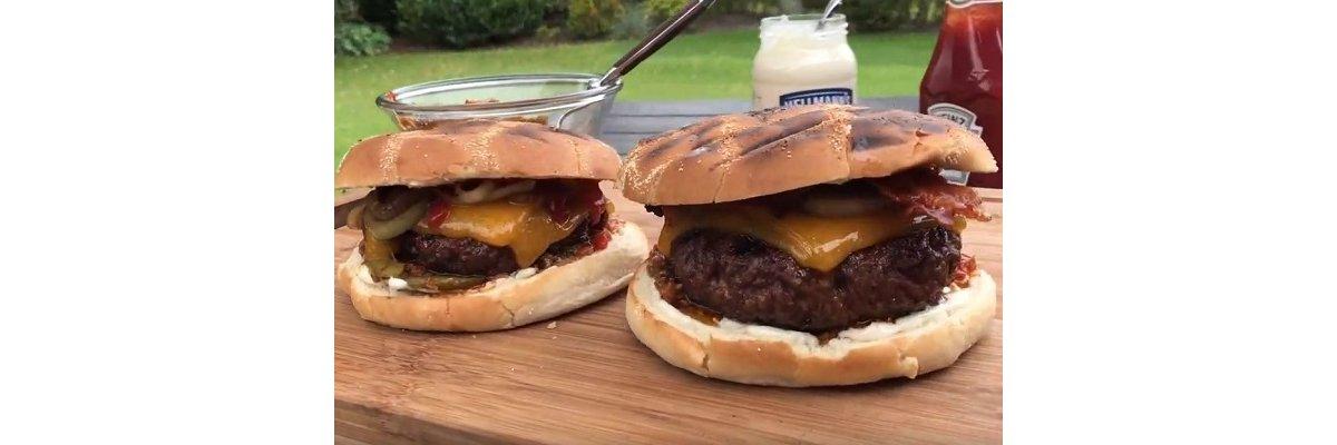 BBQ Cheeseburger Napleon Gasgrill